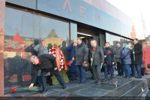 The floral tribute at the Mausoleum of Vladimir Lenin 21.01.2015 (6)
