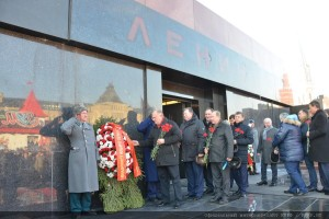 The floral tribute at the Mausoleum of Vladimir Lenin 21.01.2015 (7)
